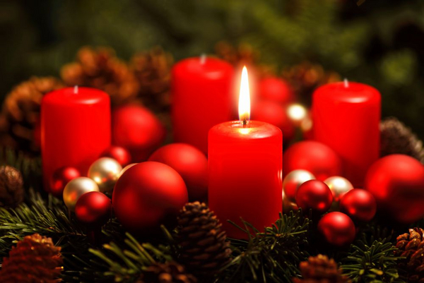 advent  1  lys  shutterstock 229029793